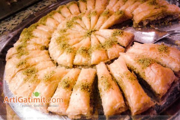 receta-bakllava-embelsire-tradicionale-festa-shqiptare-greke-turke