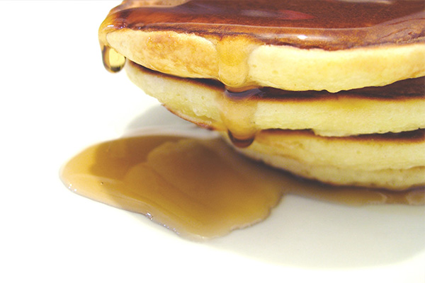petulla-amerikane-mjalt-receta-gatimi-pancake-gatuaj