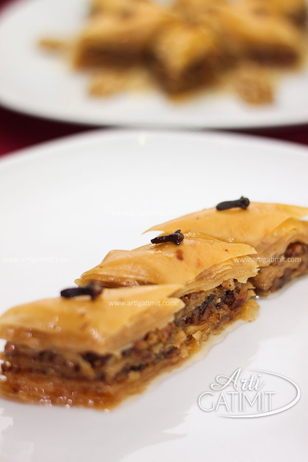 recipe-baklava-with-filo pastry-dough-syrup